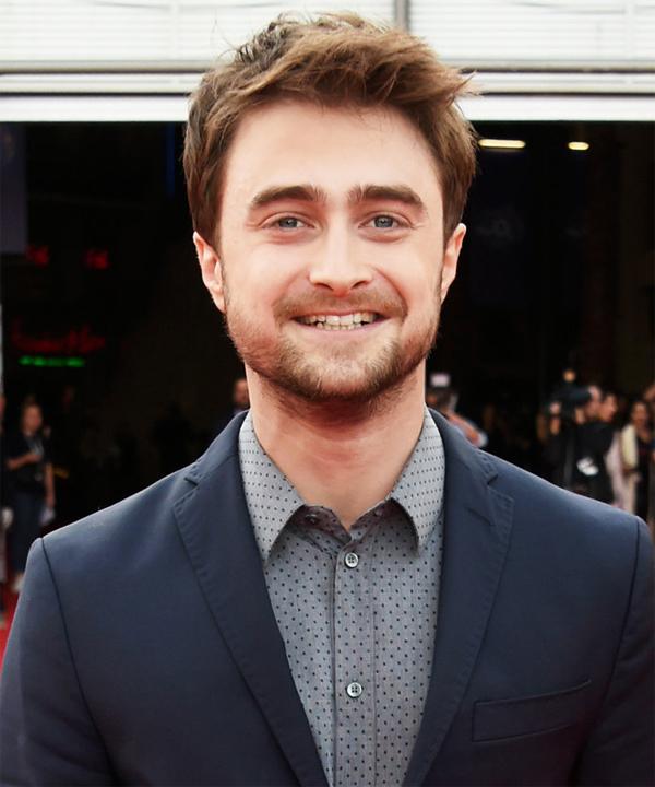 Daniel Radcliffe tâm sự về sự nghiệp học hành khó khăn của anh: Tôi biết mình cũng có trí thông minh nhưng tôi đã không thể học ở trường vì trước khi đóng Harry Potter, sự tự tin của tôi đã bị hai giáo viên hủy hoại. Sau này, các gia sư ở trường quay đã giúp tôi lấy lại sự tự tin đã mất.