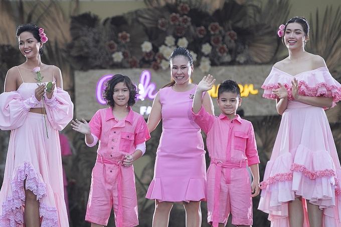 HHen Niê, Lệ Hằng diễn vedette cùng bản sao nhí Hồ Ngọc Hà - 11