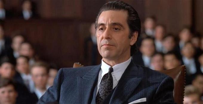 Ngôi sao Bố già Al Pacino nhớ lại ngày ông bỏ học lớp 10 để đi diễn kịch kiếm tiền: Tôi học không tốt lắm. Tôi không thể tập trung vào các bài giảng. Mẹ tôi gặp một vài rắc rối và tôi không có đủ tiền để đi học.