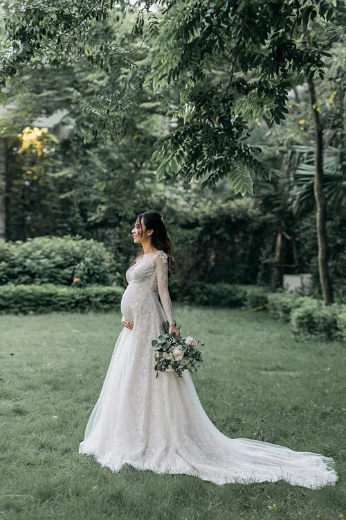 Cô dâu bầu mặc váy cưới ôm sát làm thay đổi định kiến của khách mời - 10