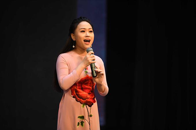 Sao Mai Phương Thanh, chị dâu của ca sĩ Hương Tràm, khoe giọng với Thương về xứ Nghệ và Về Hà Tĩnh mình ơi.
