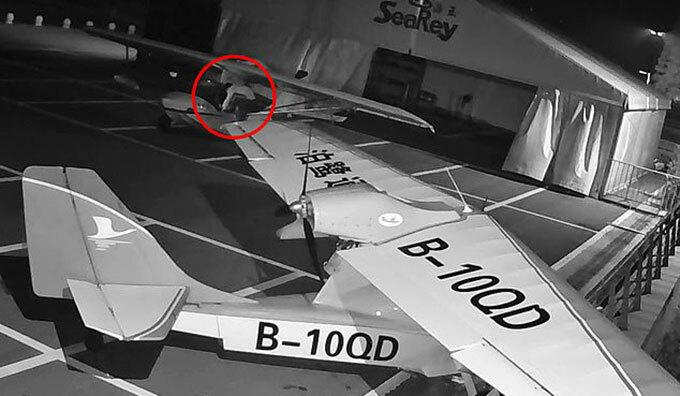 Cậu bé 13 tuổi trộm và lái thử hai chiếc máy bay SeaRey hạng nhẹ ở Thái Hồ, tỉnh Chiết Giang đêm 15/7. Ảnh: Asiawire.