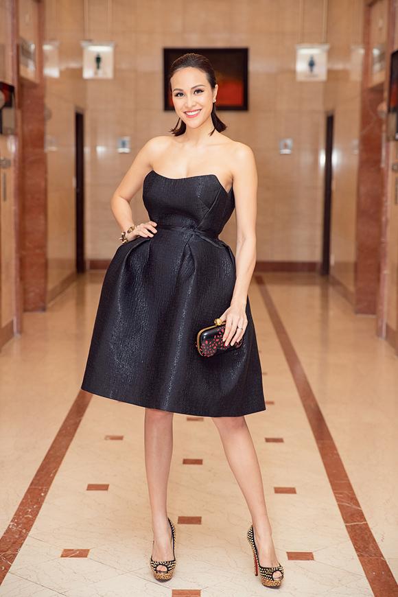 Tối 20/7, Phương Mai lần đầu đi sự kiện tại TP HCM sau đám cưới lãng mạn hồi tháng 6.