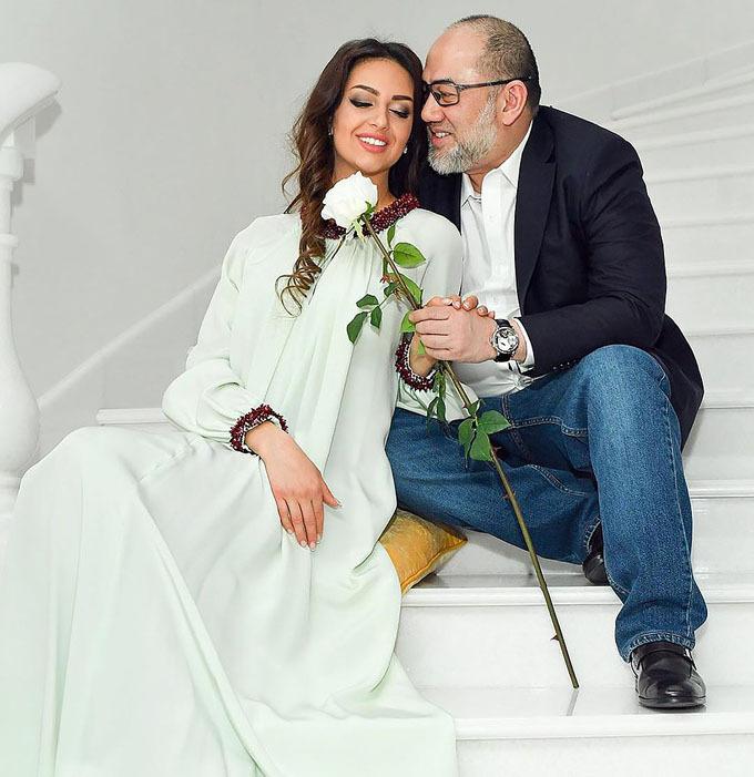 Cựu vương Mohammad V và hoa khôi Nga Oksana Voevodina khi còn mặn nồng. Ảnh: east2west.