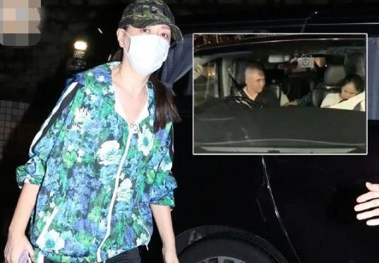 Nhậm Đạt Hoa được vợ con đón và chuyển thẳng vào viện, nhằm thuận tiện cho việc chữa trị hiệu quả.