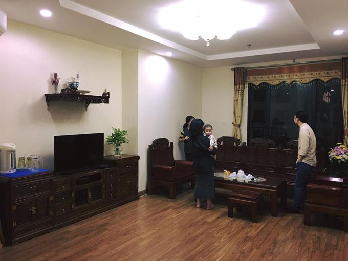 Căn hộ mà vợ chồng Yến Nga (1992) và Minh Thành (1991) mua lại có diện tích 120m2, nằm tại Hà Nội.