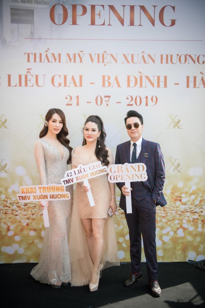 Chương trình được dẫn dắt bởi MC Thái Dũng và Á hậu Thụy Vân. Tham gia chương trình, các khách mời có cơ hội bốc thăm trúng thưởng lên đến 10 tỷ đồng