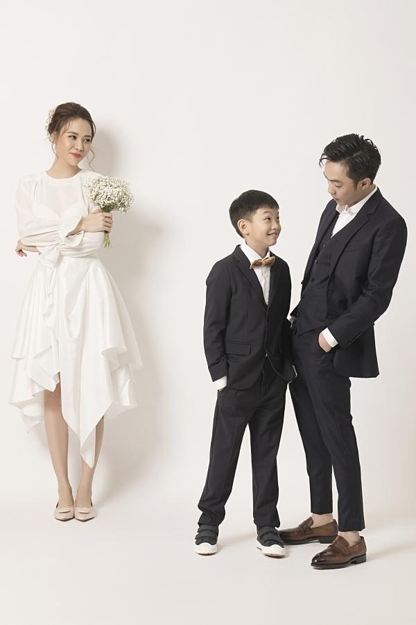 Đàm Thu Trang bày tỏ sự hạnh phúc khi có mối quan hệ thân thiết với con riêng của chồng. Trước đó, cô từng đăng ảnh chúc mừng sinh nhật Subeo và nhận được nhiều lờ