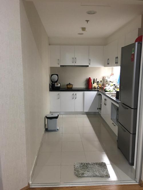 Khu vực bếp của căn nhà trước khi cải tạo.