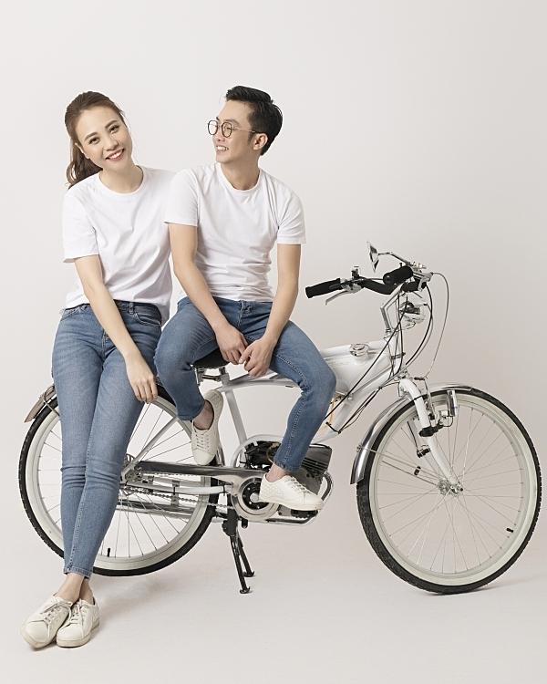 Quen Cường Đôla - một doanh nhân có nhiều mối quan hệ tình cảm ồn ào, Đàm Thu Trang chịu nhiều áp lực dư luận. Dù vậy, cô cảm thấy bình yên vì được