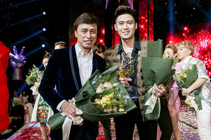 Hoàng Đức Thịnh là đại diện duy nhất của đội huấn luyện viên Tuấn Ngọc tại đêm chung kết. Đây cũng là lần đầu tiên nam danh ca tham gia Giọng hát Việt. Từ đầu chương trình, Tuấn Ngọc đã thể hiện niềm tin rất lớn vào học trò của mình.