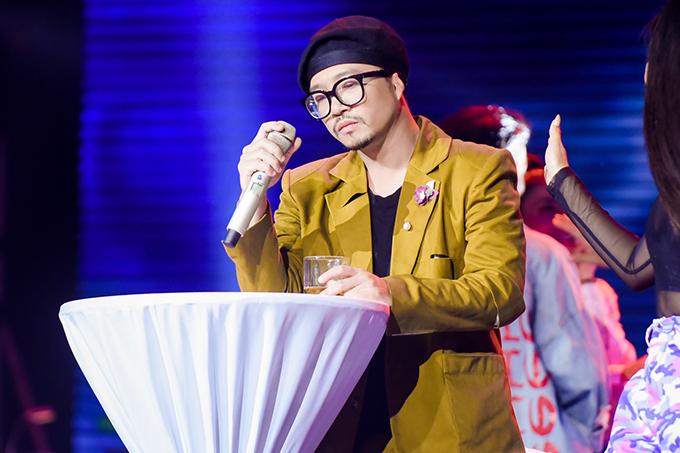 Ở bài thi thứ hai, Lâm Bích Ngọctrình diễn bản mashup Độc ẩm - Túy âm kết hợp với rapper Hà Lê.