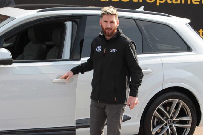 Messi trong lễ giới thiệu xe Audi mới.