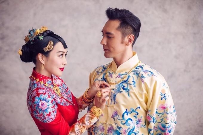 Chung Lệ Đề và Trương Luân Thạc nên duyên sau khi cùng tham gia một show truyền hình năm 2015.