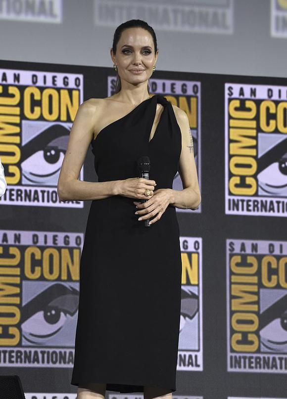 Bà mẹ 6 con sẽ đóng nhân vật Thena - vai chính trong bộ phim của Marvel do đạo diễn Trung Quốc Chloe Zhao thực hiện.