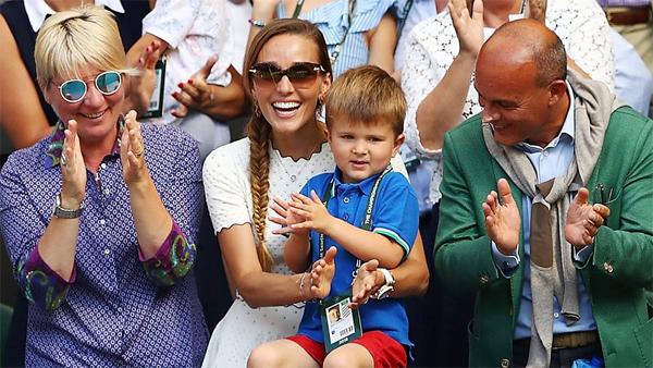 Jelena và nhóc Stefan tại Wimbledon 2018.