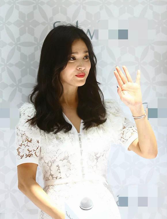 Song Hye Kyo tại sự kiện hôm 6/7.