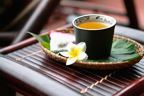 Không chỉ uống trà, các mỹ nữ cung đình còn ngâm mình trong bồn trà thảo mộc để giúp da săn chắc hơn.