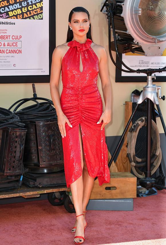 Siêu mẫu Adriana Lima.