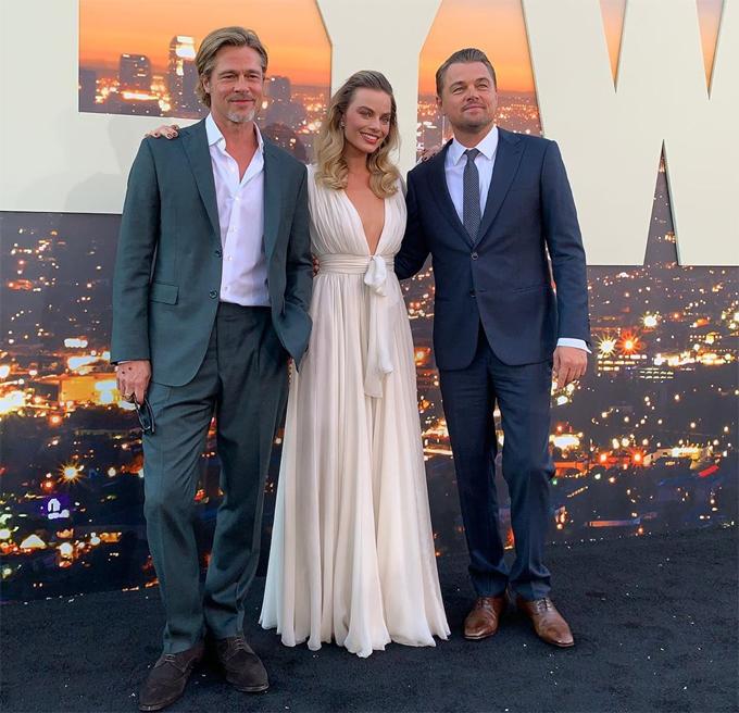 Bộ ba háo hức khi tái ngộ trong sự kiện ra mắt phim được tổ chức hoành trang ở Los Angeles với sự chào đón của hàng nghìn người hâm mộ. Họ từng cùng nhau đi quảng bá bộ phim tại liên hoan phim Cannes ở Pháp hồi tháng 5.