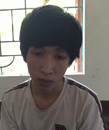 Nguyễn Minh Tuấn tại công an huyện Nghi Lộc. Ảnh: Nguyễn Hải.
