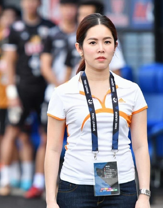 Yim Visaradee được bổ nhiệm làm Giám đốc CLB mới chỉ một tháng. Ảnh: Chiangrai Utd.