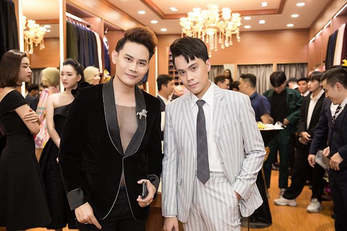 MC Hồng Phước và MC Thái Dũng hội ngộ tại sự kiện. Cả hai đều là bạn thân lâu năm của Hoa hậu Ngọc Hân.