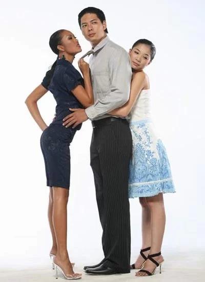 Phi Thanh Vân, Bình Minh, Minh Khuê (từ trái qua) trong poster quảng cáo phim Cô gái xấu xí.
