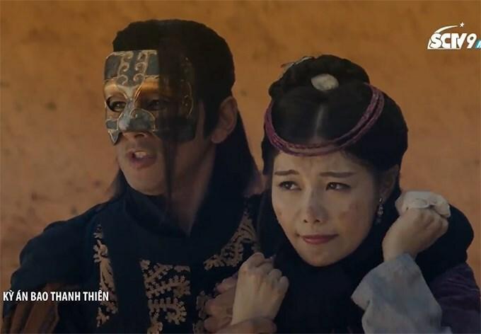 Ngô Chỉ Mặc không thể hiện được vẻ sợ hãi của công chúa khi bị kẻ sát nhân bắt giữ.
