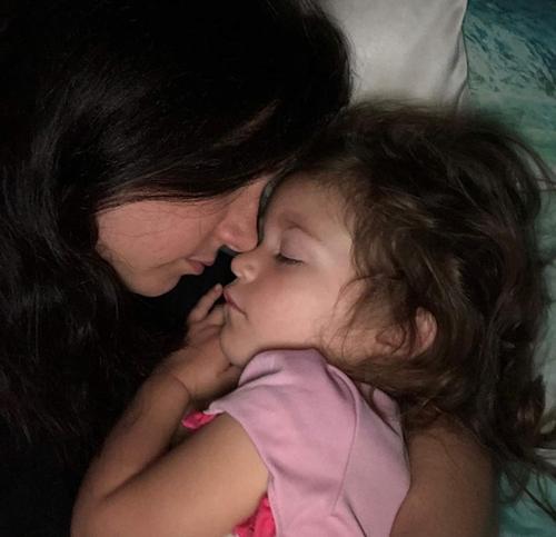 Đừng bao giờ đi ngủ cùng sự tức giận là điều mà Mary học được từ con gái mình.