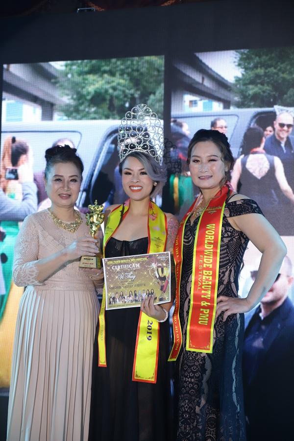 Hoa hậu Nguyễn Vi Thúy làm giám khảo sự kiện phun xăm thẩm mỹ tại Canada - 11