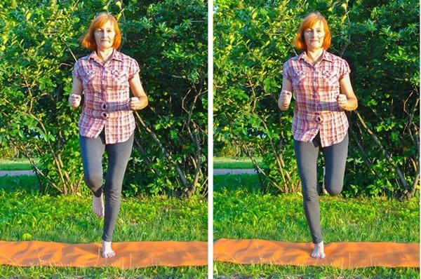 Bước chân tại chỗ mỗi bên 20 lần.