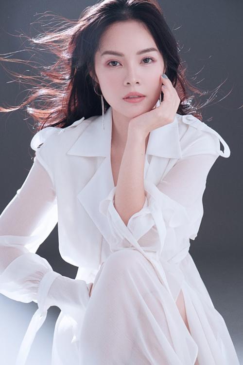 Diễn viên Dương Cẩm Lynh chia sẻ kinh nghiệm làm đẹp ở tuổi trung niên
