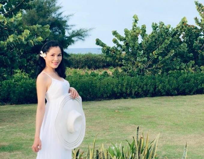 Khi được nhận xét con gái xinh giống mẹ, chị trả lời: Thảo Linh nhặt nhạnh nét đẹp từ cả bố và mẹ.