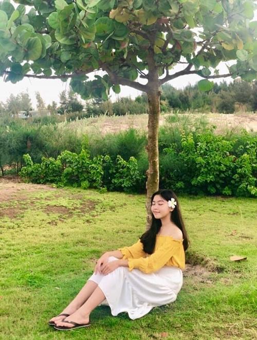 Con gái cả của Quyền Linh được nhận xét có nhan sắc của hoa hậu tương lai.