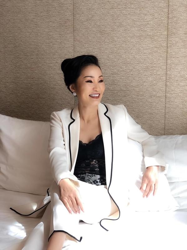 Hồng Đào trở lại công việc sau khi thừa nhận ly hôn Quang Minh - 6