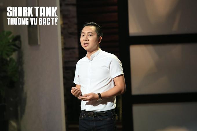 CEO Luxstay Nguyễn Văn Dũng gọi vốn tại Shark Tank Vietnam. Ảnh: Shark Tank Vietnam.