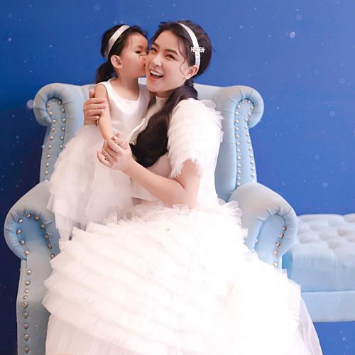 Hải băng thấy mình may mắn khi sinh được một cô công chúa:
