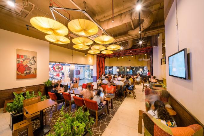 Highlands Coffee cán mốc 300 quán trên toàn quốc.