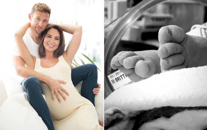 Button và người đẹp Brittny Ward đăng ảnh vài ngày trước khi em bé đầu lòng chào đời (trái) sau đó đăng ảnh bàn chân của bé thông báo đã lên