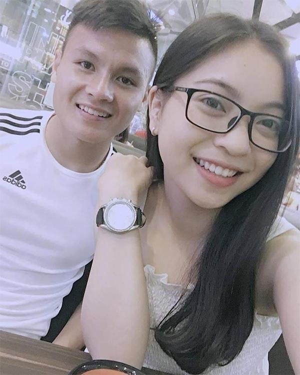 Các cô bạn gái hot girl của cầu thủ Việt - 2