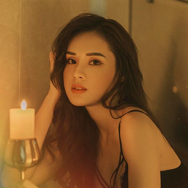 Các cô bạn gái hot girl của cầu thủ Việt - 7