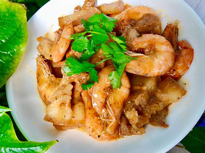 Tôm thịt rim nước cốt dừa