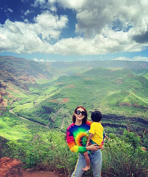 Ngọc Quyên cùng con trai du lịch trong kỳ nghỉ hè. Bà mẹ đơn thân nhắn con: