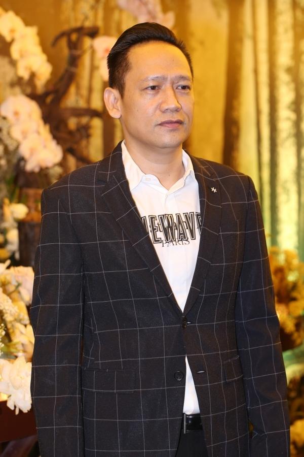 Diệp Lâm Anh bế bụng bầu lớn đi dự đám cưới Đàm Thu Trang - 5