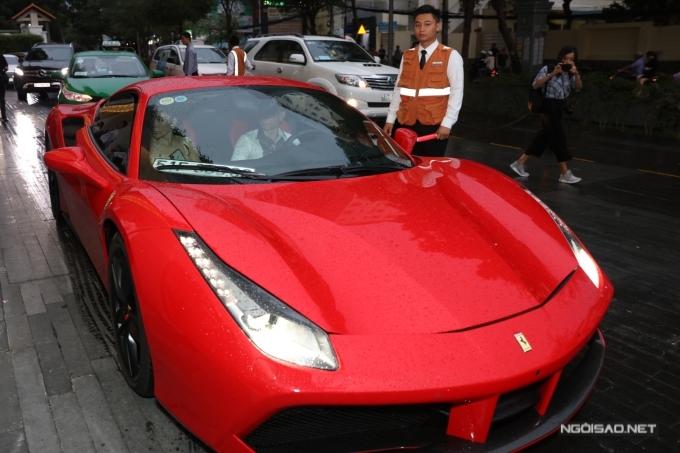 Dàn siêu xe xuất hiện tại đám cưới của Cường Đôla - Đàm Thu Trang - 1