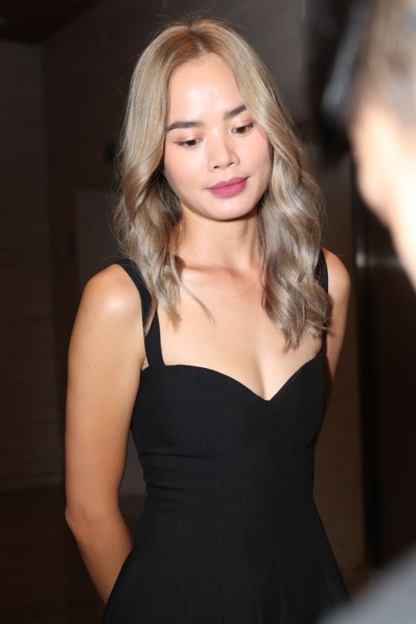 Diệp Lâm Anh bế bụng bầu lớn đi dự đám cưới Đàm Thu Trang - 7