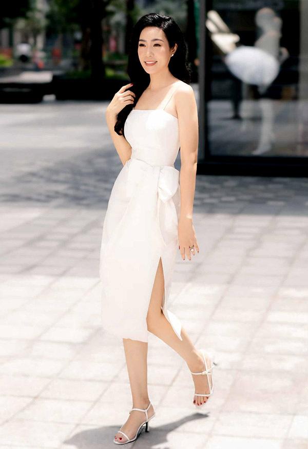 Á hậu Việt Nam 1994 có chế độ ăn uống hợp lý, tập thể dục hàng ngày nên vẫn giữ được ngoại hình mảnh mai như thời con gái.
