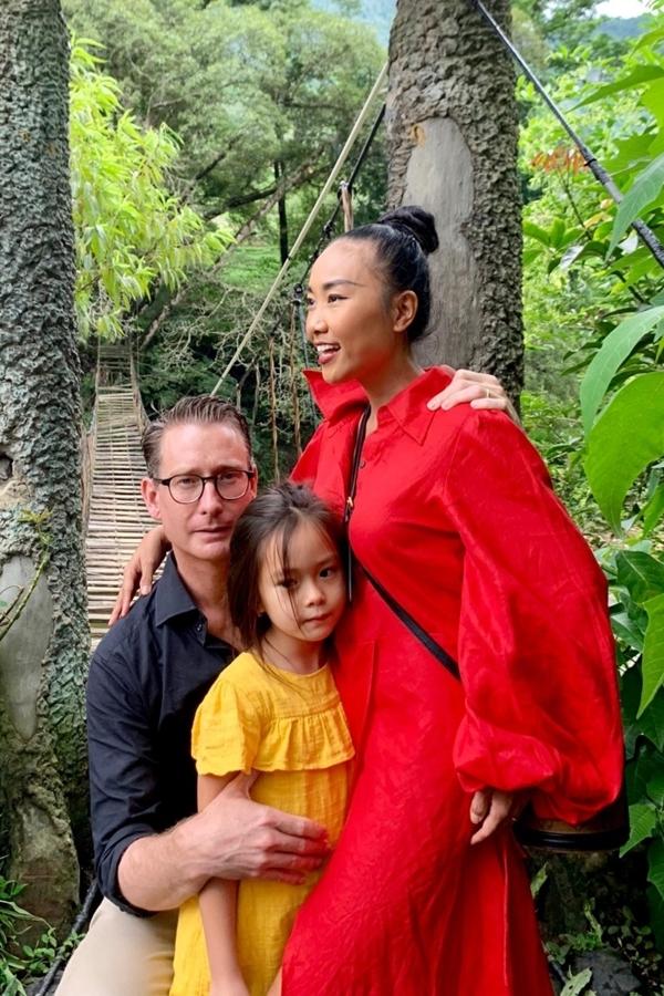 Nhân dịp con gái được nghỉ hè, Đoan Trang và ông xã lên kế hoạch cả gia đình cùng đi du lịch.