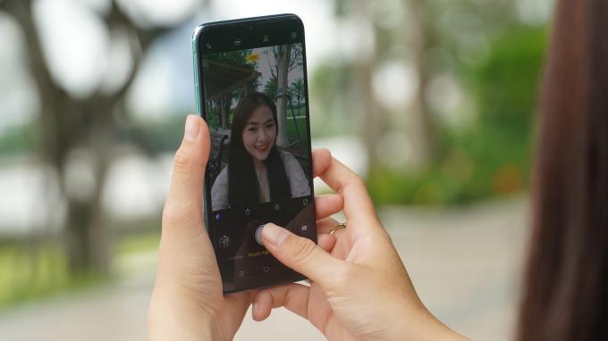 Smartphone Vivo S1 dung lượng pin lớn cho tín đồ du lịch Smartphone Vivo S1 dung lượng pin lớn cho tín đồ du lịch  - 1